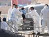 """Lampedusa, 8 sbarchi con 200 persone: hotspot al collasso e """"migranti senza mascherina"""""""