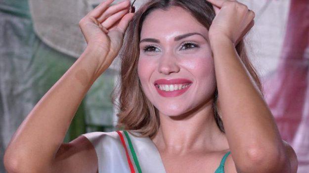 bellezza, Paola Gambina, Agrigento, Società