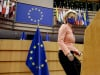 """Coronavirus, l'Ue: """"Situazione grave, vaccino per tutti da aprile"""""""