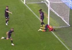 Belgio, l'errore impossibile: sbaglia il gol a un millimetro dalla porta Quello di Aster Vranckx si candida a essere l'errore dell'anno - Dalla Rete