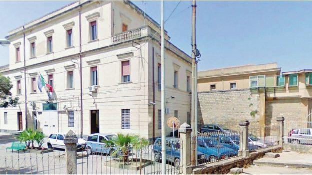 evasione, Caltanissetta, Cronaca