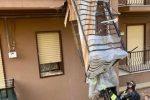 Crolla un balcone a Caltanissetta, ferita una donna che stava sotto