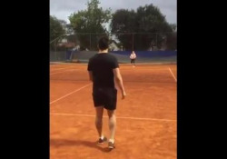 Falcao, la sfida a tennis con i piedi L'ex campione di futsal non ha perso la stoffa e su Instagram continua a mostrare il suo talento - Dalla Rete