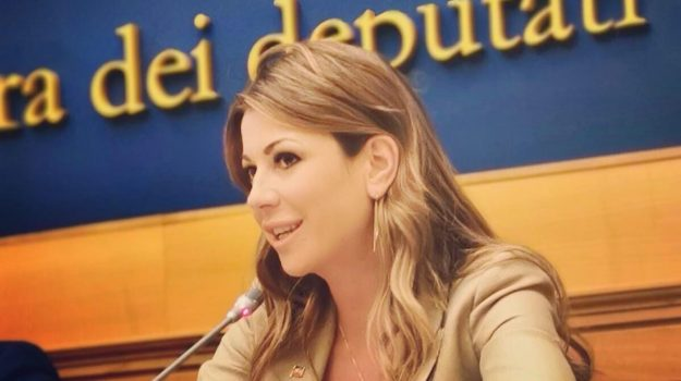 Matilde Siracusano, Messina, Politica