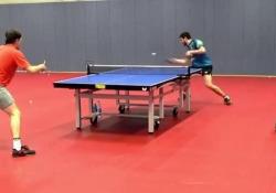 Ping pong, l'allenamento ipnotico del campione Ovtcharov La performance di Dima Ovtcharov - Dalla Rete