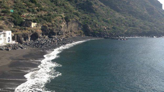 Isole Eolie, Messina, Economia