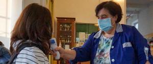 Coronavirus, altro caso in una scuola di Palermo: in Sicilia arrivano i tamponi rapidi