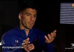 Suarez, a Propaganda Live il video (da ridere) del suo esame di italiano  La trasmissione di La 7 (con Fabio Calenza) scherza sul test dell'attaccante uruguaiano per ottenere la cittadinanza - Corriere Tv