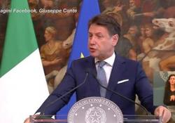 Tridico, Conte: «Ad oggi prende meno degli altri» Il premier risponde alla domanda di un cronista sulla polemica che ha investito il presidente dell'Inps - Ansa