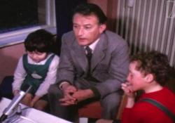 100 anni di Rodari, pubblicato un suo filmato inedito Le immagini risalgono al 1972: lo scrittore alla Scuola dell'Infanzia Diana di Reggio Emilia - Ansa