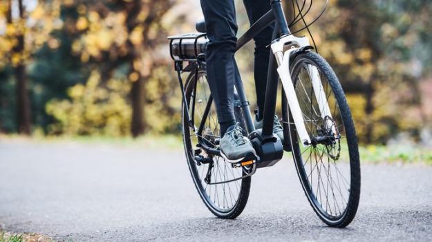 Bonus mobilità, dal 3 novembre su e-bike, monopattini e bici