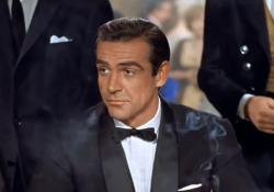 Addio a Sean Connery: «Il mio nome è Bond, James Bond», l'interpretazione in 'Licenza di uccidere' L'attore celebre per aver interpretato l'agente segreto  - Corriere Tv