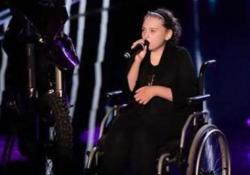 Addio a Veronica Franco, la sua «Hallelujah» commosse: il video-tributo della sua scuola La cantante di 19 anni in sedia a rotelle aveva emozionato a Tu sì que vales - Corriere Tv