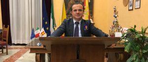 """Sicilia zona arancione, De Luca attacca Razza e Musumeci: """"Sanità al collasso"""""""