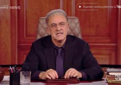 Crozza nei panni di De Luca: «Halloween? Chi si veste da scheletro, io lo faccio diventare veramente» L'esilarante imitazione del governatore della Campania - Corriere Tv
