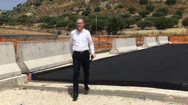Marco Falcone, Sicilia, Economia
