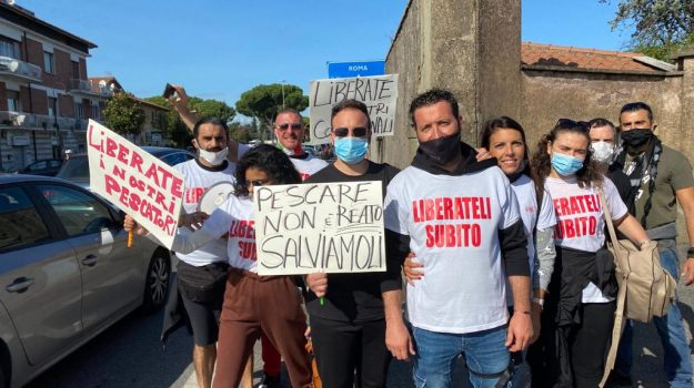 dl rilancio, pescatori, Pescherecci sequestrati, Trapani, Economia