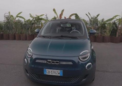 Fca, ecco la nuova 500 elettrica Presentata a Torino da John Elkann e Olivier François - Ansa