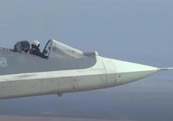 Il caccia russo in volo senza cupolino Il video del Sukhoi Su-57 in versione «cabriolet» diffuso dal ministero della Difesa russo - CorriereTV