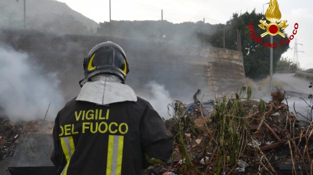 incendio, Ramacca, Catania, Cronaca