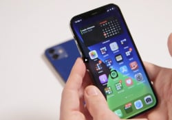 Quando l'iPhone cambia il design della scocca, cosa che nei cicli di aggiornamento di Apple non accade così spesso, allora quello è l'anno in cui l'iPhone sembra «davvero nuovo». Il 2020 è quell'anno.  I 4 iPhone lanciati quest'anno recuperano lo storico design dai bord...
