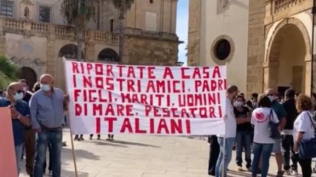 "Pescherecci sequestrati, Miccichè al sindaco di Mazara: ""In arrivo gli aiuti alle famiglie"""