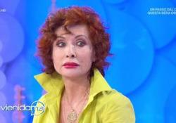 """Quando Alda D'Eusanio raccontava in tv: «Quella volta che una collega mi ha pugnalata al cuore» La giornalista e conduttrice durante un'intervista a """"Vieni Da Me"""" di Caterina Balivo, su Rai Uno - Corriere Tv"""