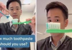 Sì, usiamo decisamente troppo dentifricio Ne basta poco, anzi pochissimo, spiega un dentista in un video su TikTik molto cliccato - CorriereTV