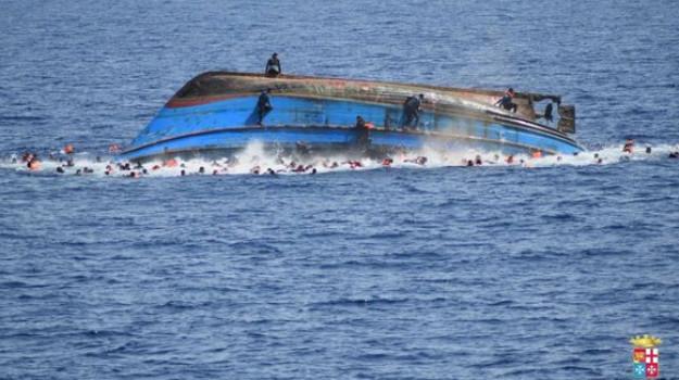 migranti, naufragio, Sicilia, Mondo