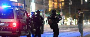 Attacco a Vienna come al Bataclan, l'Europa ripiomba nell'incubo terrorismo: aumentano le vittime