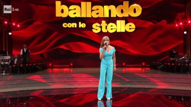 ballando con le stelle, tv, Sicilia, Società