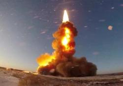 I nuovi missili della Russia: possono distruggere i satelliti nello spazio L'esercito russo ha «testato con successo» un nuovo missile anti-balistico: il video diffuso dal Ministero della Difesa - CorriereTV