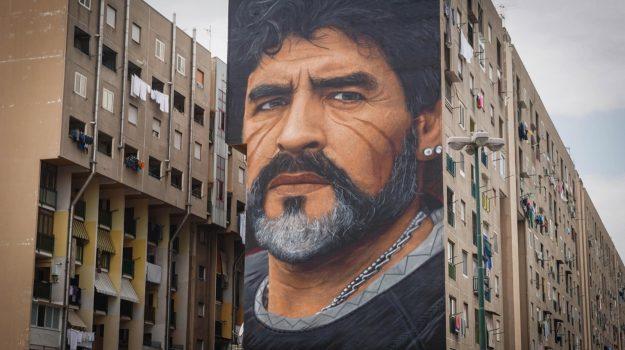 Diego Armando Maradona, Sicilia, Calcio