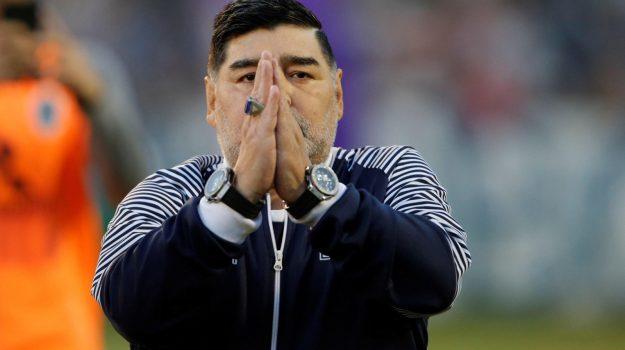morto Maradona, Diego Armando Maradona, Sicilia, Calcio