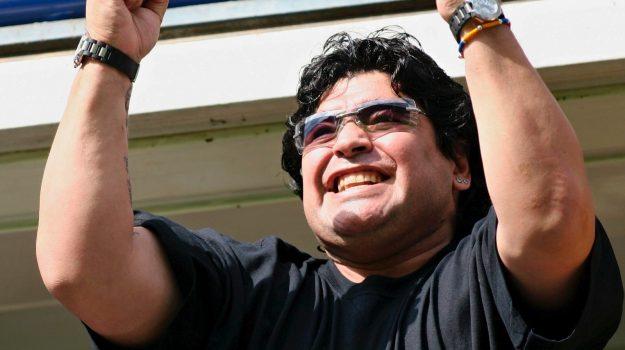 Diego Armando Maradona, Sicilia, Mondo
