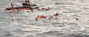 Migranti, naufragio a nord della Libia: cento persone in mare, sei vittime tra cui una neonata di 6 mesi
