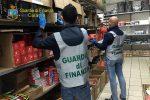 Catania, luminarie natalizie non sicure: scatta il sequestro in un negozio cinese