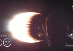 Spazio, lanciata la Crew Dragon: le immagini dell'equipaggio Il video dei 4 astronauti dall'interno della navicella - LaPresse/AP