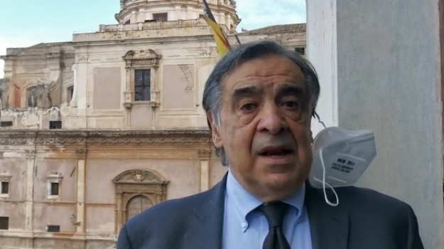 fiera del mediterraneo, vaccino, Leoluca Orlando, Palermo, Politica
