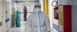Coronavirus, il bollettino: in Sicilia casi dimezzati ma i ricoveri crescono ancora e c'è lo spettro zona gialla