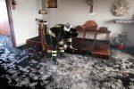 Incendio in una chiesa a Ragusa, a fuoco un altare in legno