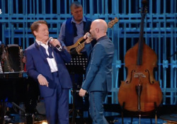 «Qui e adesso», Ranieri e Sangiorgi cantano «Meraviglioso» di Modugno  - Corriere Tv