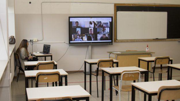 coronavirus, lipari, scuola, Messina, Cronaca