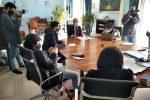 Il sindaco di Gela Lucio Greco durante la riunione per analizzare i dati sul Covid