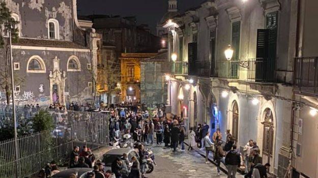 Assembramenti, coronavirus, zona arancione, Catania, Cronaca