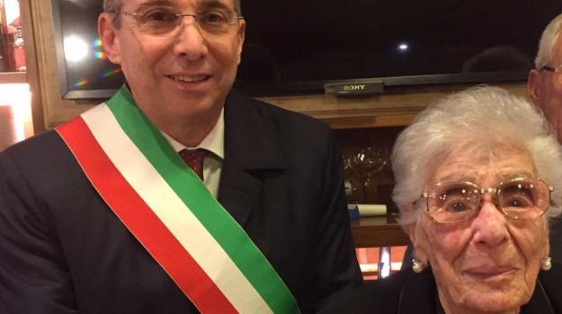 Caterina Navarra con il sindaco di Castellammare