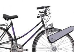 Con questo semplice device ogni bici diventa elettrica Il dispositivo messo a punto da una startup di Brooklyn. Con CLIP ogni bici diventa una e-bike - CorriereTV