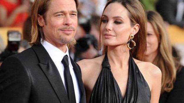 Angelina Jolie, Brad Pitt, Sicilia, Società
