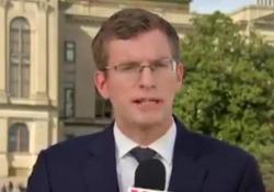 Il corrispondente dalla Casa Bianca che racconta le news in 6 lingue diverse Philip Crowther, corrispondente dalla Casa Bianca per France 24, parla delle elezioni negli Usa in sei lingue diverse - CorriereTV