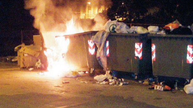 incendi, licata, rifiuti, Agrigento, Cronaca